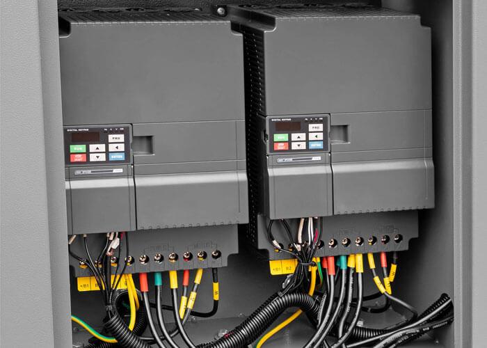 Frequentie regelaar in de X 2-stage IVR compressoren 2-stage motor APS 50 X 2-stage IVR